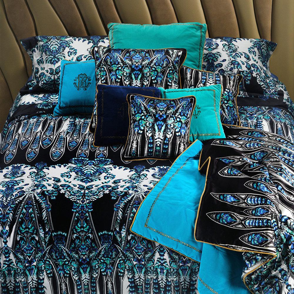 в  цветах:   Бирюзовый, Голубой, Светло-серый, Синий, Черный.  в  .