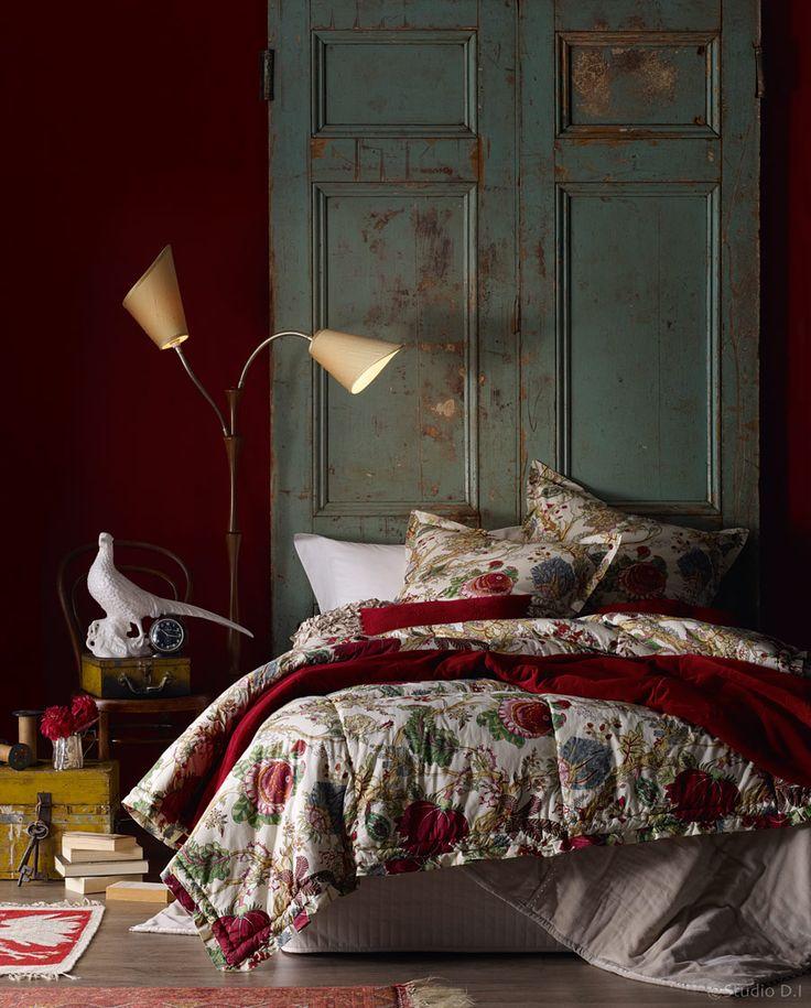 Спальня в  цветах:   Бежевый, Серый, Синий, Темно-коричневый, Черный.  Спальня в  стиле:   Кантри.