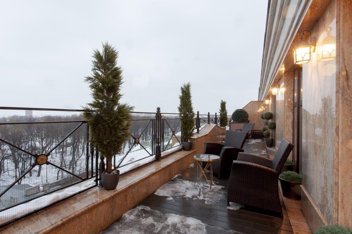 Роскошная питерская квартира с террасой, на которой можно устраивать балы