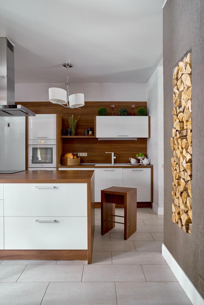 Кухня/столовая в  цветах:   Коричневый, Светло-серый, Темно-коричневый.  Кухня/столовая в  стиле:   Минимализм.