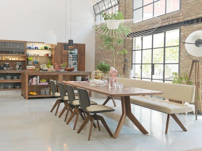 Кухня/столовая в  цветах:   Бежевый, Бордовый, Коричневый, Сиреневый.  Кухня/столовая в  стиле:   Лофт.
