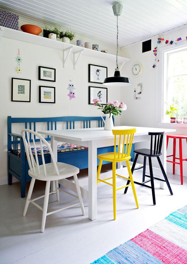 Кухня/столовая в  цветах:   Бежевый, Бирюзовый, Красный, Светло-серый, Синий.  Кухня/столовая в  стиле:   Скандинавский.