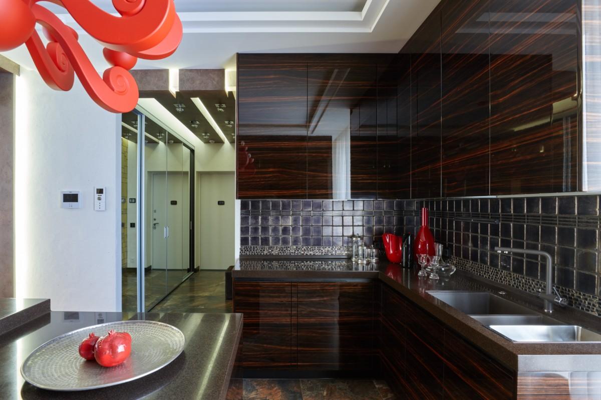 Кухня/столовая в  цветах:   Бежевый, Бирюзовый, Голубой, Розовый, Темно-коричневый.  Кухня/столовая в  стиле:   Минимализм.