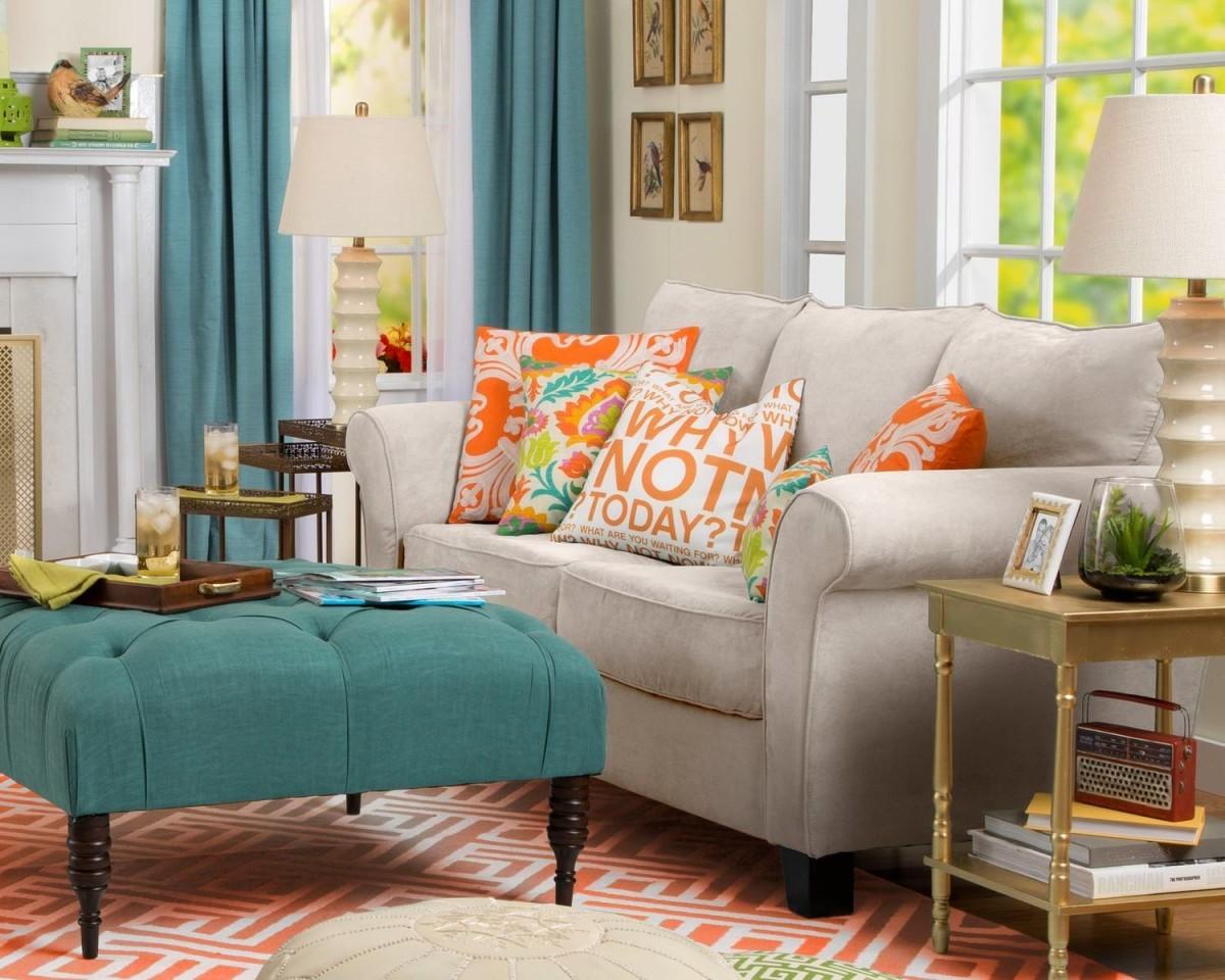 Декоративные подушки: самый простой и приятный способ освежить интерьер гостиной