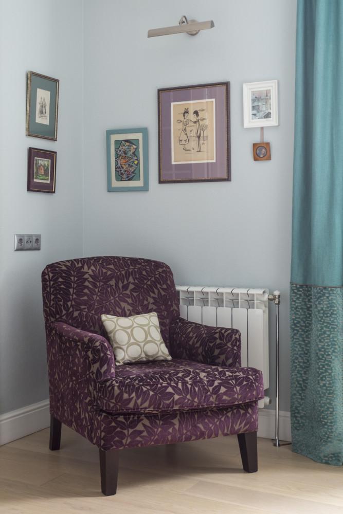 Кресло бельгийской компании Marie's Corner в обивке от Morris очень удобное, несмотря на компактный размер.