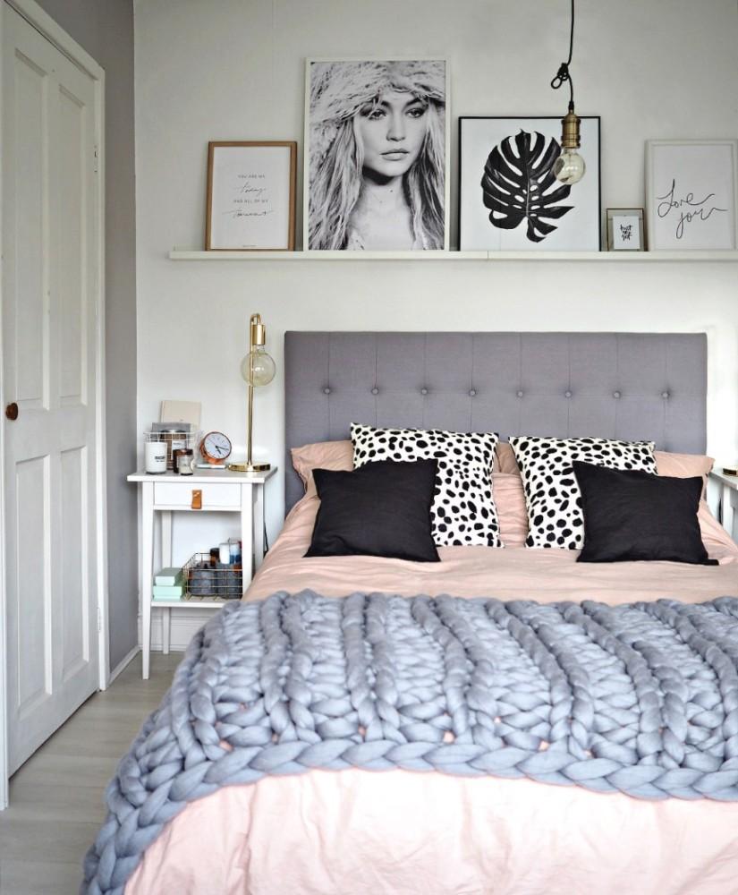 Спальня в  цветах:   Бежевый, Коричневый, Светло-серый, Серый, Фиолетовый.  Спальня в  стиле:   Скандинавский.