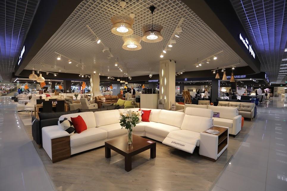 В комплексе «Гранд» проходит крупная мебельная выставка