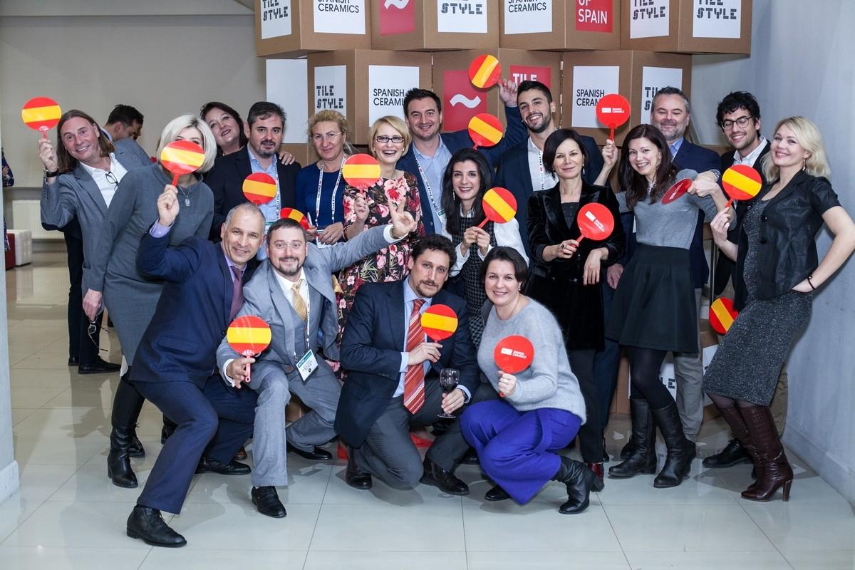 Под конец года в Москве показали новинки испанской плитки