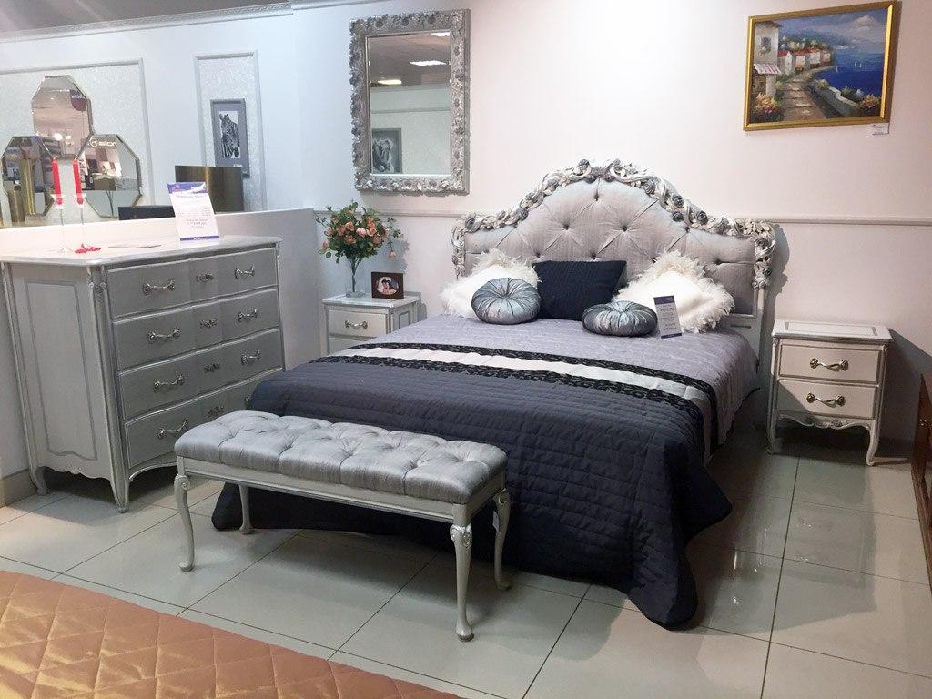 Новогодний мебельный базар в салонах итальянской мебели «Галерея»