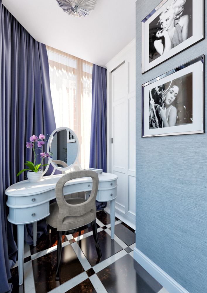 На присоединённой к спальне лоджии разместился туалетный столик и встроенный шкаф для женских мелочей.
