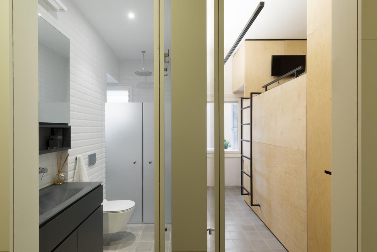 Как обустроить очень длинную и очень узкую квартиру для большой семьи