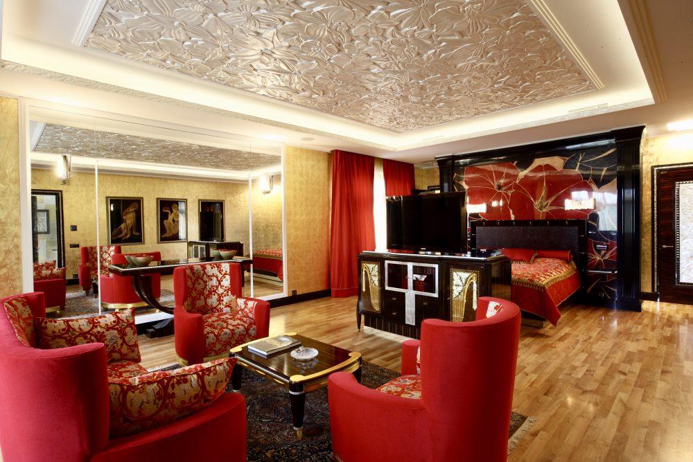 В гостях у Roomble.com — Сергей Суровцев, художник по интерьерам для самых богатых