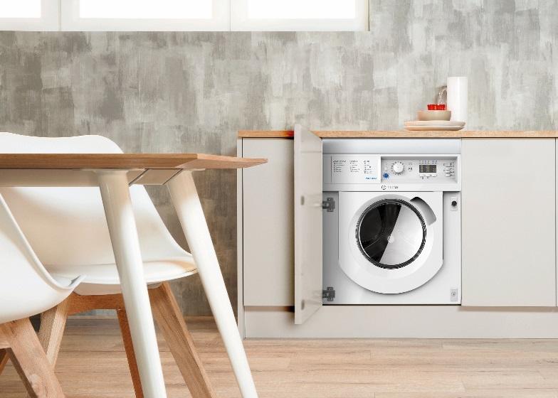 Новой стиральной машинкой от Indesit можно стирать 45 минут