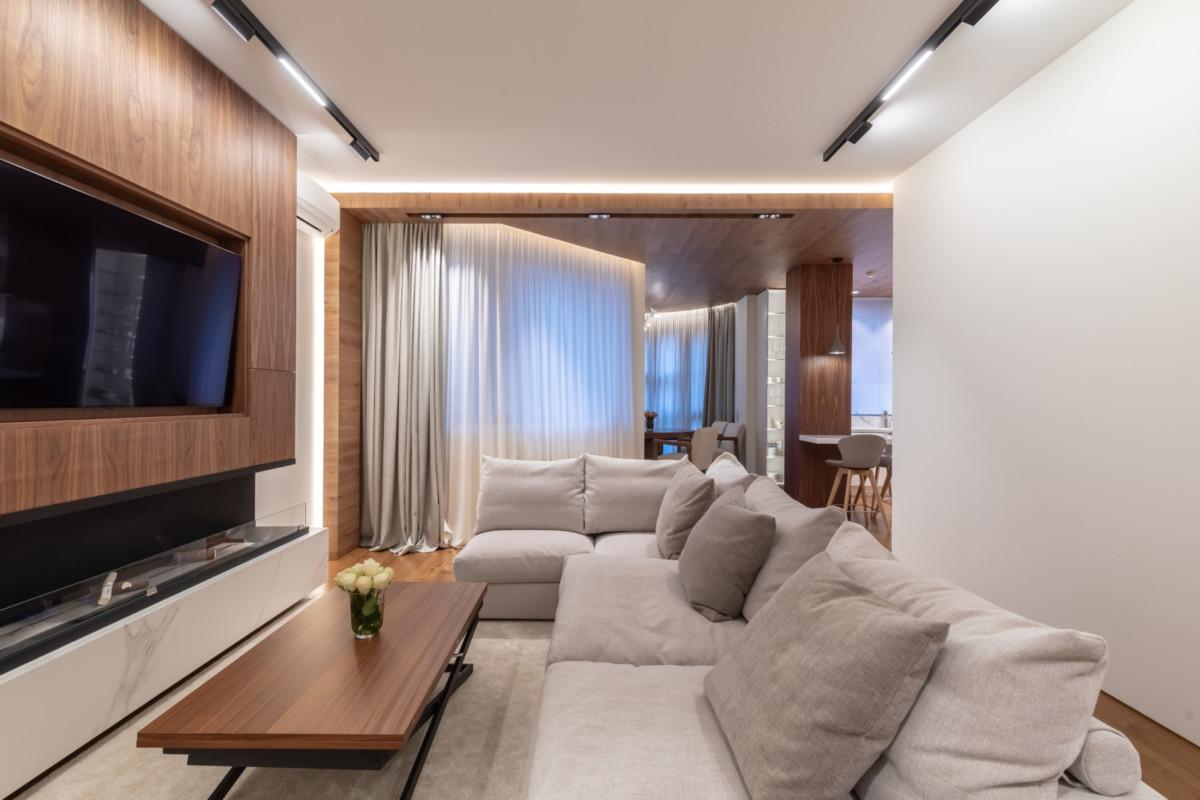 Интерьер квартиры в современном стиле с тремя характерными блоками