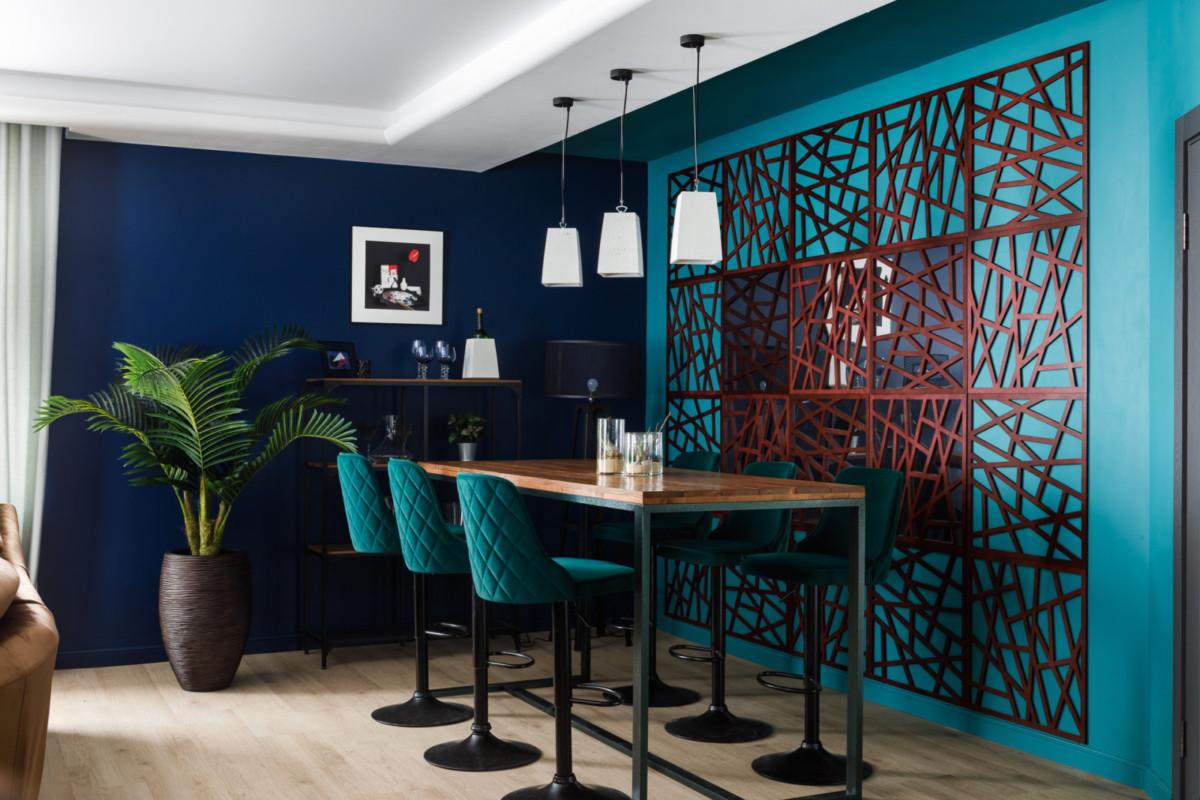 Современный интерьер: арт-гостиная для творческой семьи