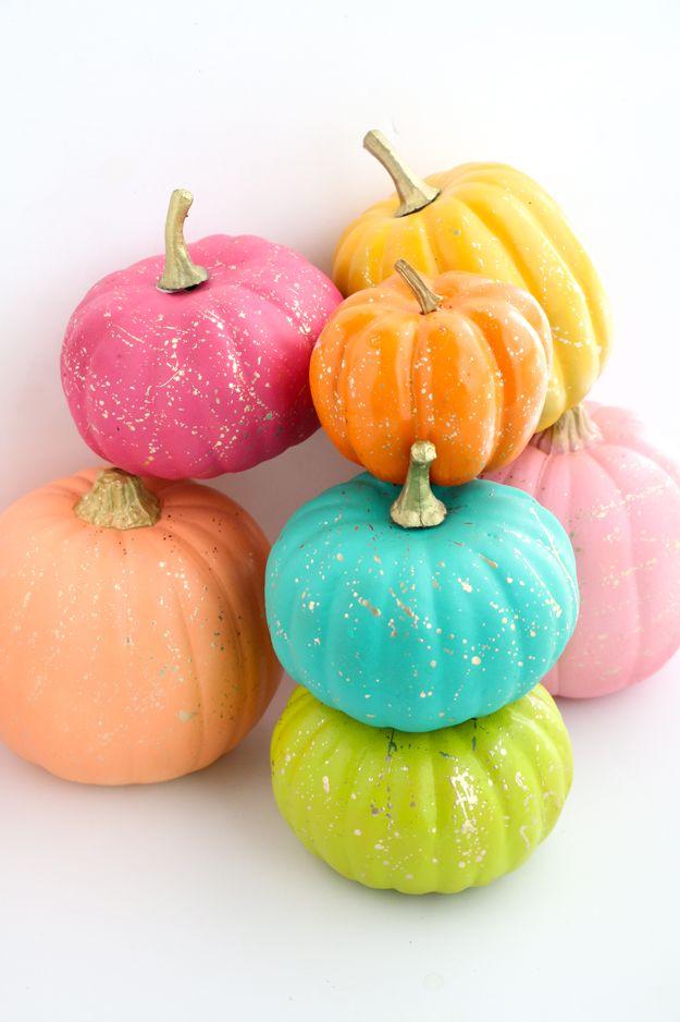 Как украсить тыкву: 50 идей осеннего декора с помощью краски