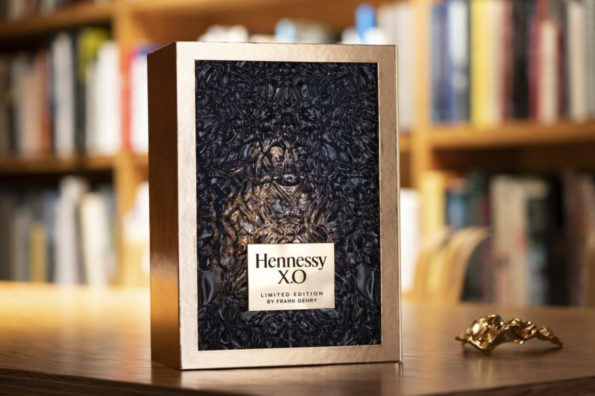 Эксклюзивный графин от Фрэнка Гэри в честь 150 летия Hennessy X.O.