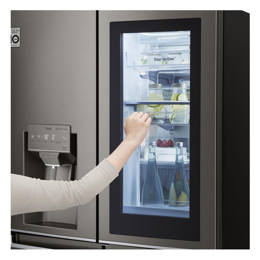 Компания LG выпустила холодильники с дистанционным управлением и защитой от бактерий